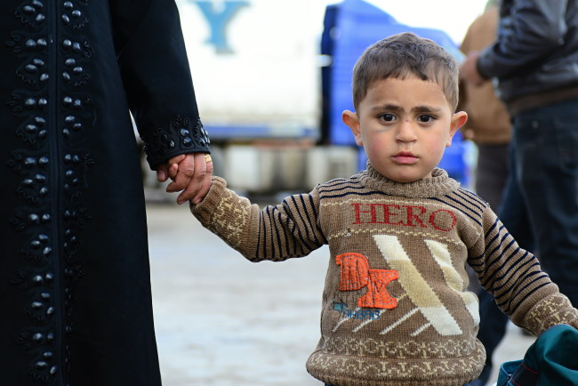 Thousands of children escaped with theirs parents from Syria because of civil war.
