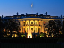 An evening view of the White House in Washington D.C.